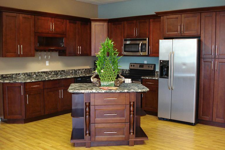 White And Cherry Shaker Kitchen Cabinets In Minneapolis Usa