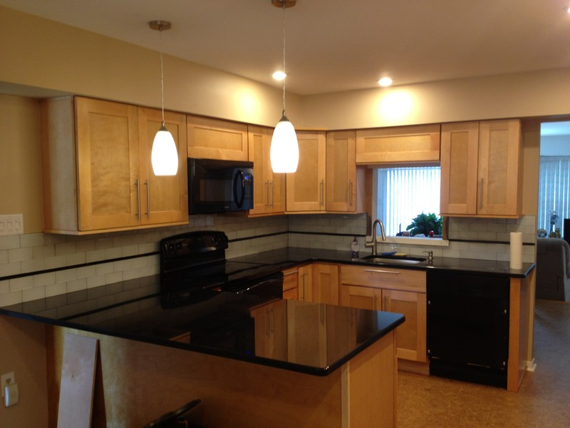 Remodel your kitchen with modern rta kitchen cabinets in usa for Kitchen cabinets 60056