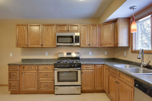 Toffee Kitchen Cabinets In Minnesota Usa