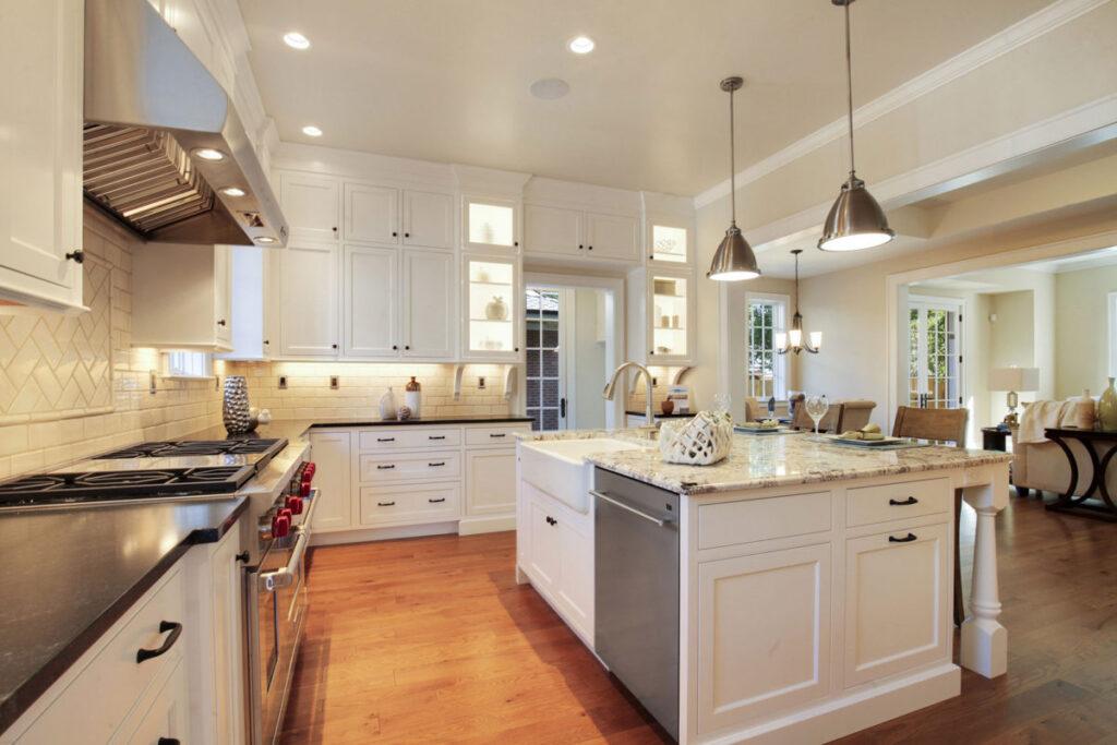 Farmhouse kitchens cabinet